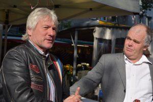 Kabarettist Jürgen Becker (li.) mit Rainer Röth, Leiter des Betreuungsvereins